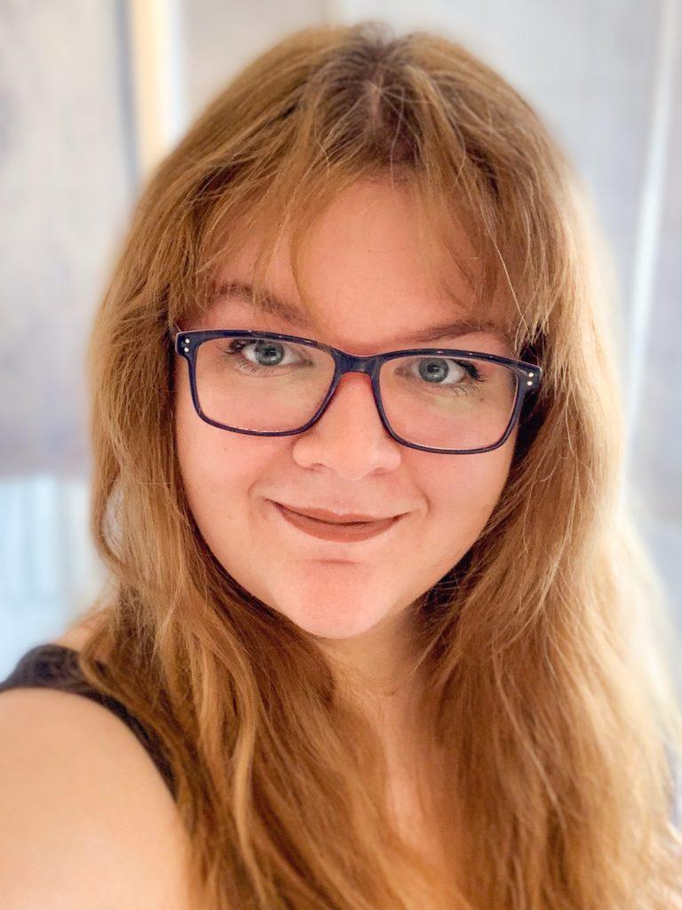 Janine-Bianca, Selbstständigkeit Gründerin und Coach, optimiert organisiert selbstständig und Fernstudium